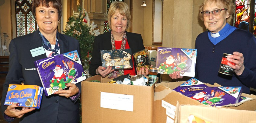 Halesworth accountants help struggling families receive some christmas cheer